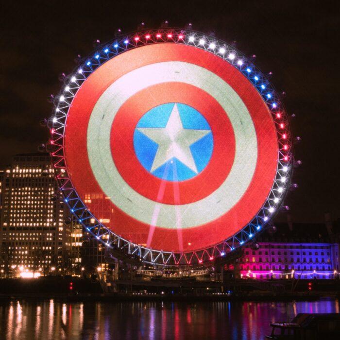 Lo scudo di Captain America atterra per il mondo