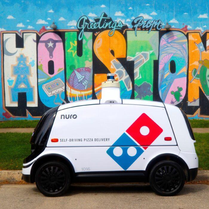 Domino's Pizza testa i veicoli automatici per il delivery